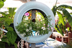 creative_wall_tire_planter_sm